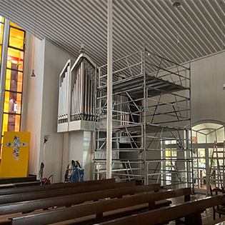 Reinigung der Kirchenwände
